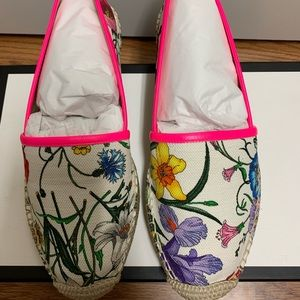 Gucci leather-trimmed floral print canvas shoes 38